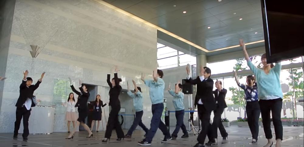 新卒採用ダンス